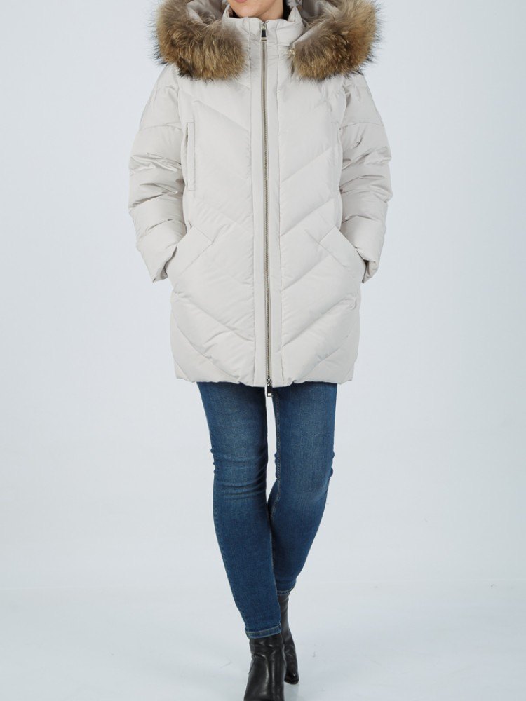IT71 - White down jacket with fox hood