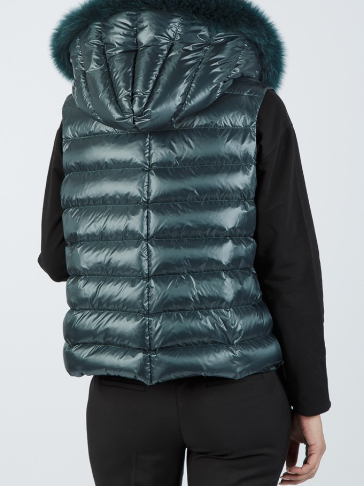AFRODITI - Green down vest with fox hood